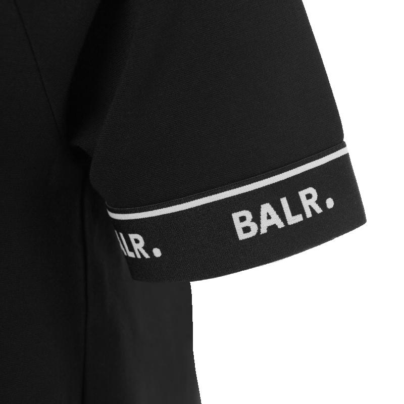 Lightweight Shirt Detail