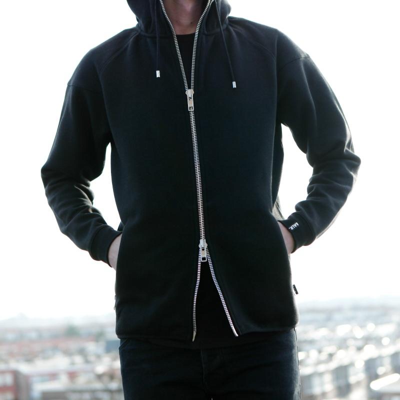 Q-Series Zipped Vest Lifestyle