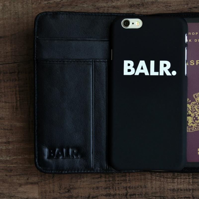 Passport Cover Black Lifestyle